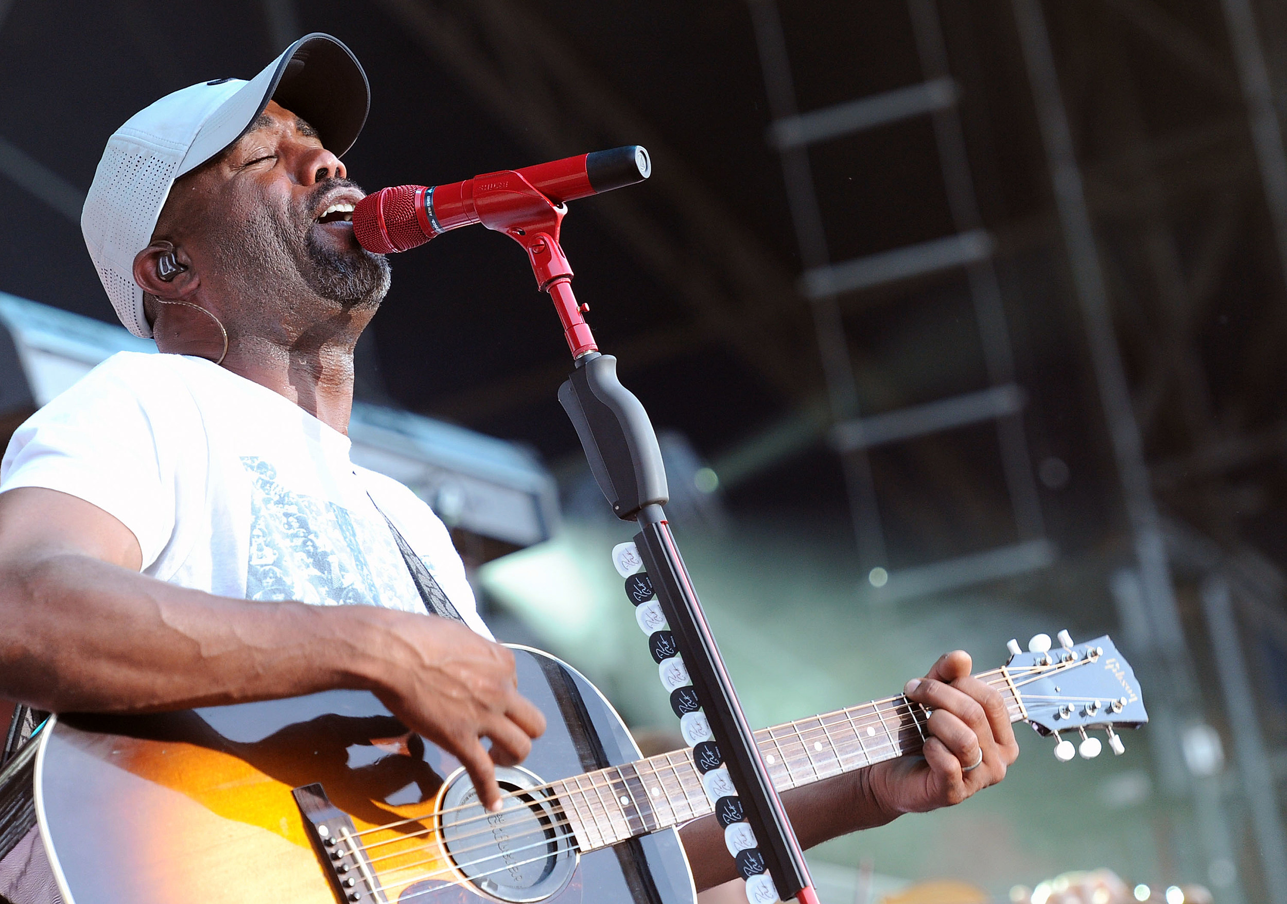 Darius Rucker His Face Is On Lottery Tickets In New Mexico